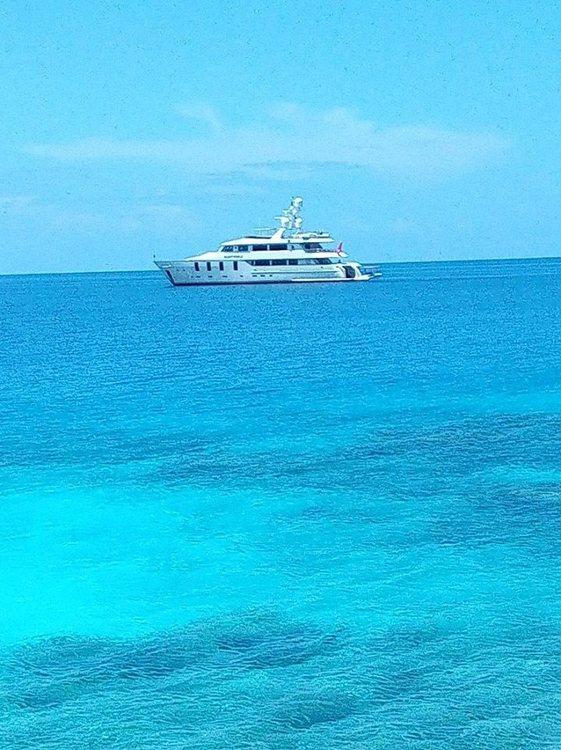 g boat carlos fav.jpg