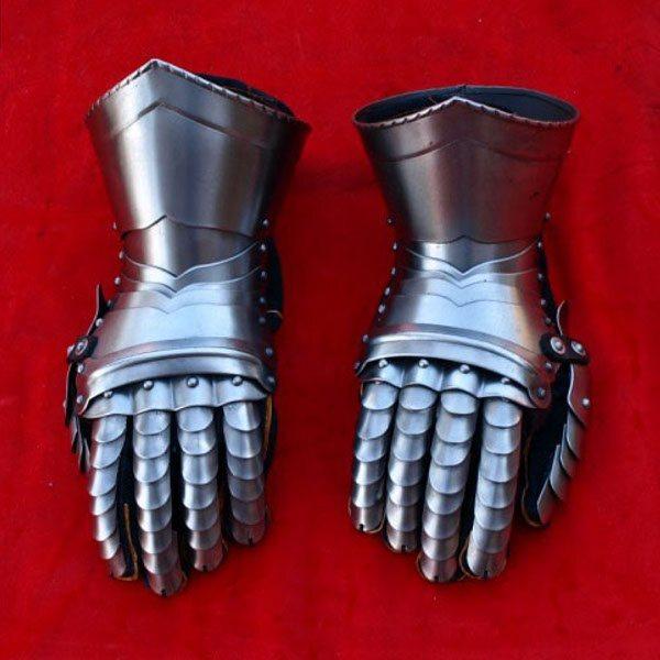 fab-finger-gauntlets-3.jpg.17c9f433b7b5263c08fd8870a9086396.jpg